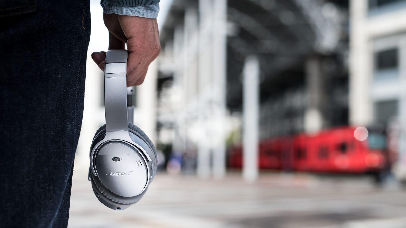 Tai nghe Bluetooth chống ồn Bose QuietComfort 35 II cho thời lượng sử dụng vượt trội