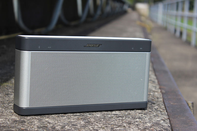 loa-bluetooth-bose-soundlink-3-thiet-ke-1.jpg
