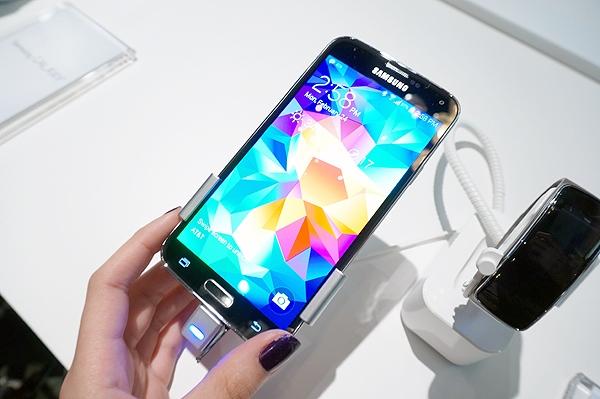 Sạc pin tích điện đa năng Samsung Galaxy S5, S4, S3 mini, S2 HD