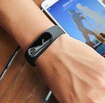 Vòng đeo tay thông minh Xiaomi đánh bật mọi đối thủ smartband tầm trung
