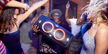 Trời ơi tin được không: An Tiến tặng ngay 1 triệu đồng khi mua loa Party Box 300