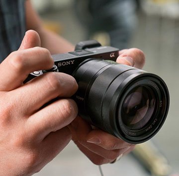 Top 2 bộ pin máy ảnh tốt nhất cho máy Sony đáng mua nhất 2019