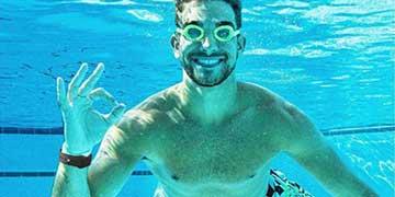 Giảm đau lưng hiệu quả khi sử dụng đồng hồ thông minh Garmin đi bơi