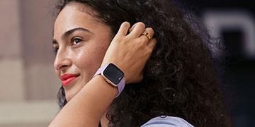 Review smartwatch Fitbit Versa - Đỉnh cao phong cách công nghệ