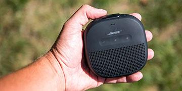 Bose Soundlink Micro - Người bạn đồng hành lí tưởng cho dân phượt